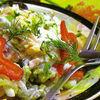 Salata de paste colorate cu sunca si cascaval