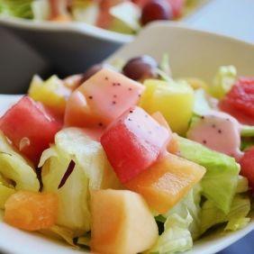 Salată de vară cu vin şi mentă