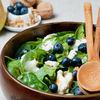 Salata cu afine si spanac