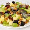 Salată cu struguri şi brânză