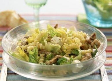 Salata de pui marinat si branza feta