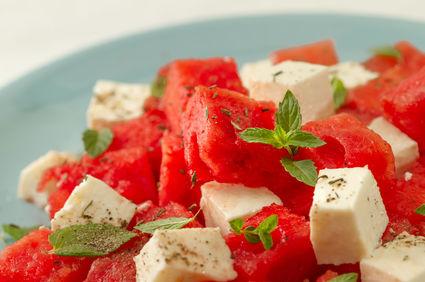 Salată de pepene roşu cu brânză