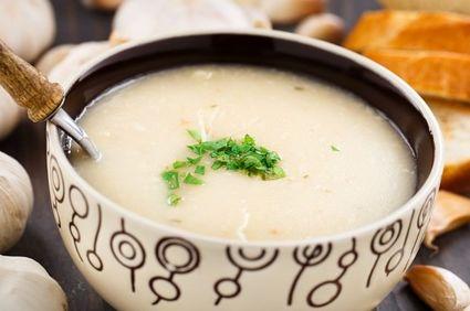 Supă-cremă de usturoi