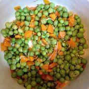 Mâncare de mazăre cu ceapă verde