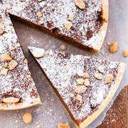 Tartă cu ciocolată şi biscuiţi fără coacere