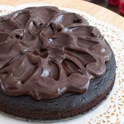 Cel mai simplu tort de ciocolată. O reţetă rapidă
