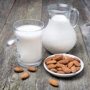 Lapte de migdale făcut în casă