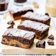 Batoane cu unt de arahide şi ciocolată