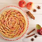 Tartă cu mere şi scorţişoară