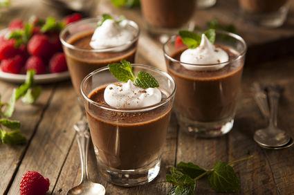 Mousse de avocado cu cafea și ciocolată neagră