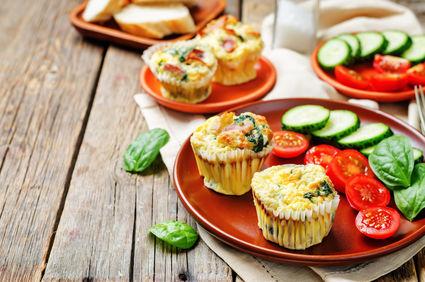 Brioşe din ouă pentru micul dejun