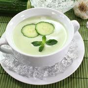Supă răcoritoare de castraveţi cu iaurt