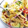 Salata greceasca de paste si branza feta