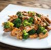 Pui la cuptor cu susan, broccoli si lamaie