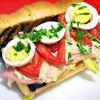 Sandwich cu ton, sunca si andive