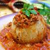 Ceapa coapta umpluta, in sos de tomate