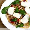 Spaghete cu spanac si mozzarella