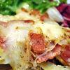 Tartiflette  gratin de cartofi cu ceapa si afumatura