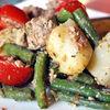 Salata cu ton, cartofi si sos pesto