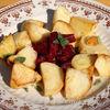Cartofi cu usturoi, la cuptor (Oven roasted garlic potatoes)