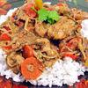 Curry rosu thailandez de pui cu muguri de fasole
