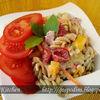Salata de paste cu sos tzatziki