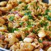 Salata calda de fasole boabe si varza murata