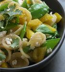 Salata de paste, feta si menta