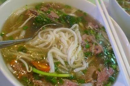 Supa vietnameza cu vaca