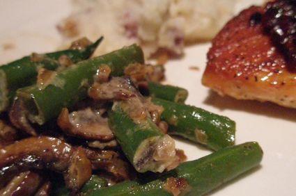 Mâncare de fasole verde cu carne