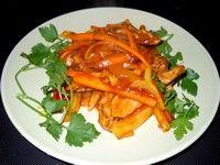 Muşchi de porc la wok cu legume şi sos dulce-acrişor