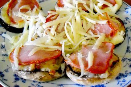 Vinete şi ciuperci la cuptor cu bacon şi caşcaval