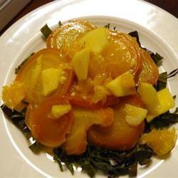 Salată cu sfeclă, portocale şi mere