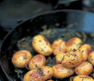Reţeta lui Jamie Oliver: Cartofi la cuptor cu rozmarin
