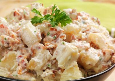 Salată germană cu cartofi