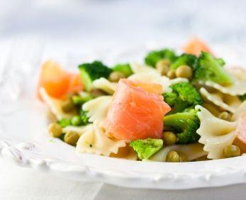 Paste cu somon afumat şi broccoli
