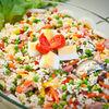 Salata de orez cu ton, porumb si mazare