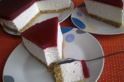 Cheesecake cu ricotta si fructe de padure (fara coacere)