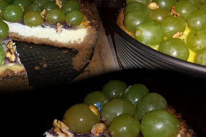 Cheesecake cu struguri și nuci