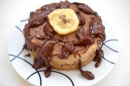 Desert de post: Tort cu banane, unt de arahide şi biscuiţi digestivi