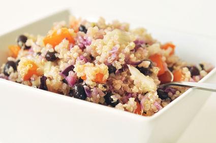 Reţetă de post: Mâncare de quinoa cu fasole neagră
