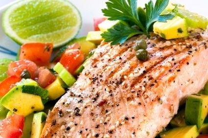 File peşte la cuptor cu legume la grătar şi sos de capere