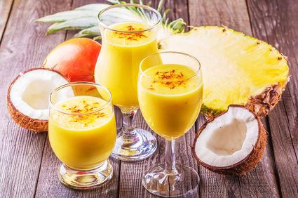 Smoothie cu mango şi lapte de cocos