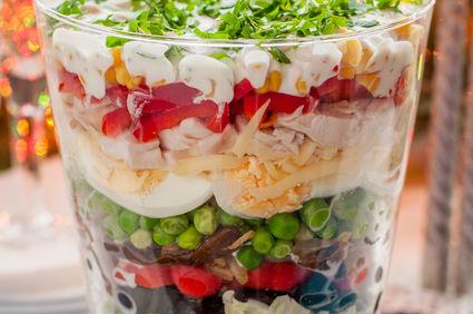 Salată de sezon în straturi