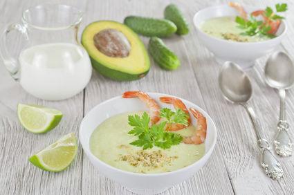 Supă cremă de avocado şi castraveţi