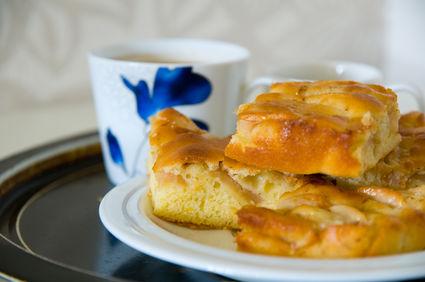 Plăcintă cu mere pufoasă şi gustoasă