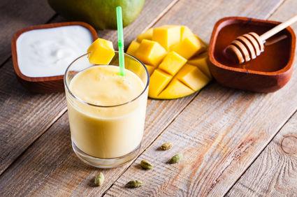Mango lassi, o băutură indiană delicioasă