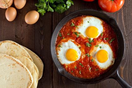 Shakshuka, o reţetă genială cu ouă pentru un brunch reuşit