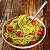 Cele mai bune paste integrale cu sos de avocado. O reţetă simplă şi sănătoasă