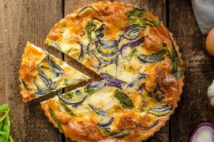 Somon, sparanghel şi broccoli la cuptor cu sos cremos